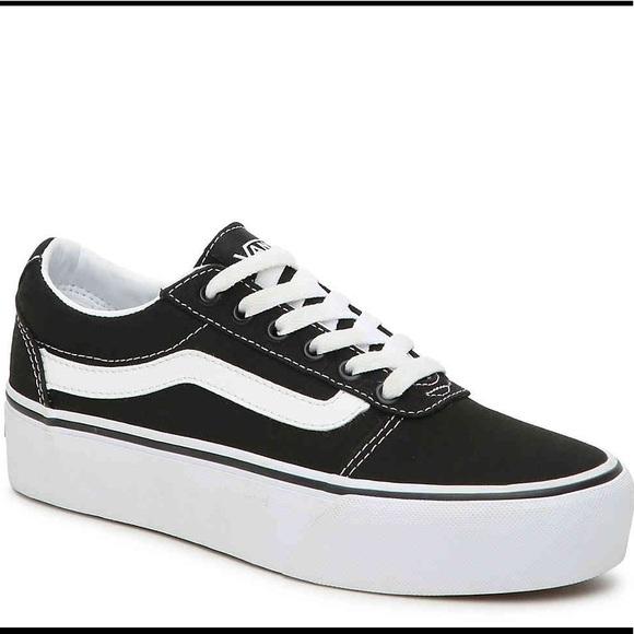 476952dd04dd69 Vans Old Skool Platform Sneakers. M 5c9a1e1895199624e3a954b0